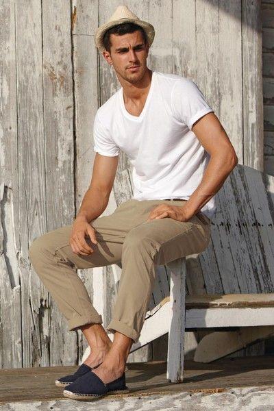 白Tシャツ ファッション コーデ