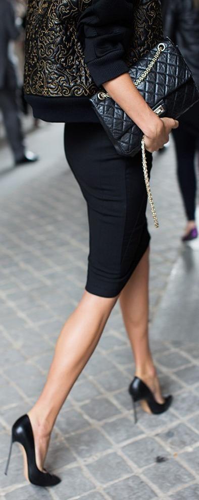 ふくらはぎ・女性・スカート