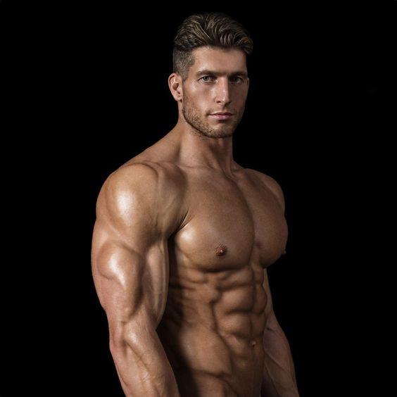 ゲイ 筋肉 画像